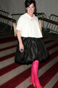 """Kate Spade, en 2007, se vistió como toda niña de 16 a 18 años que se precie de """"alternativa"""" y """"rockera"""" puede vestirse: con muchas cosas que no combinan y algo para demostrar su """"originalidad"""". Foto:vía Getty Images"""