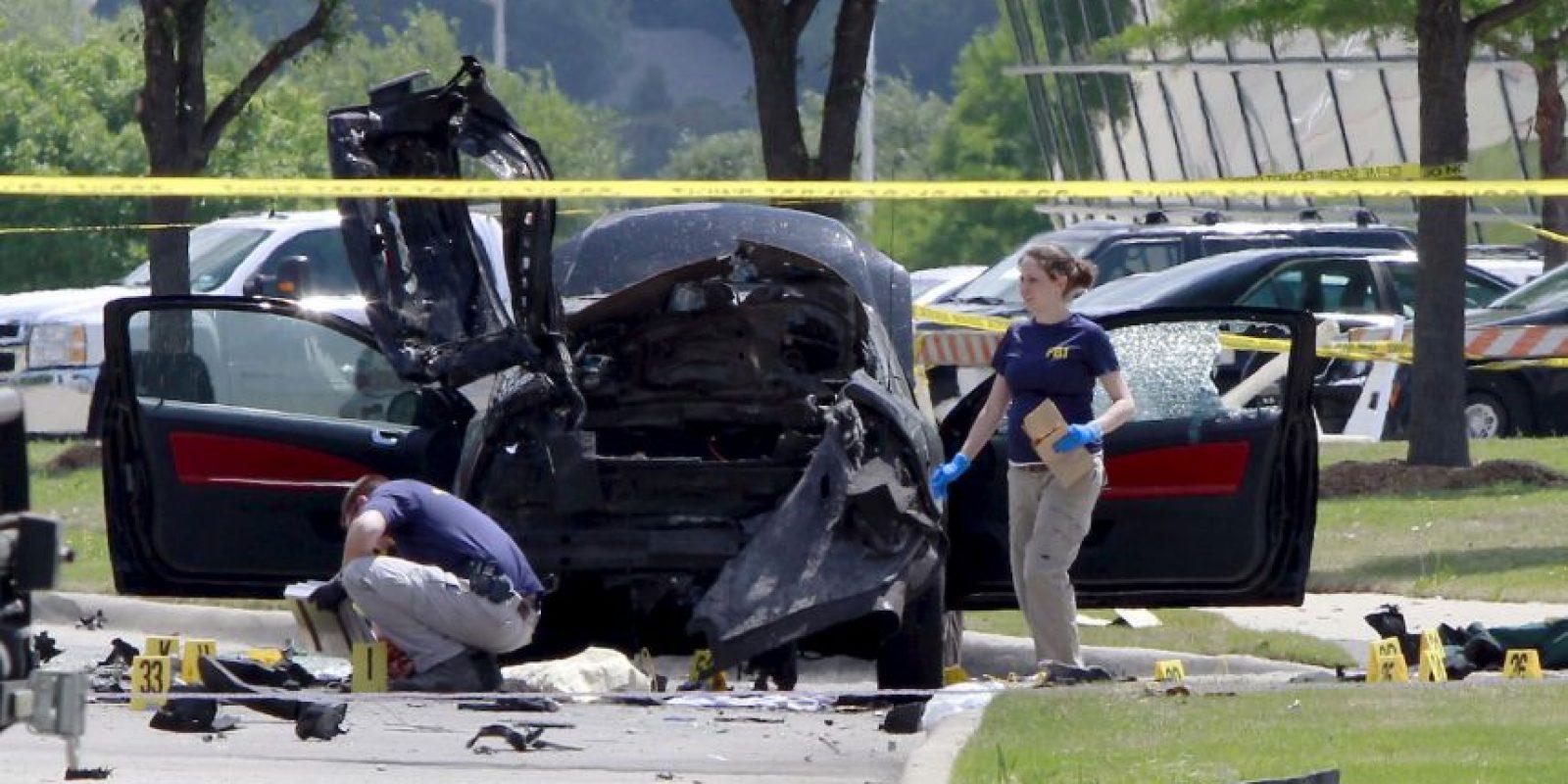 Policías investigan la escena del tiroteo en Texas Foto:AFP