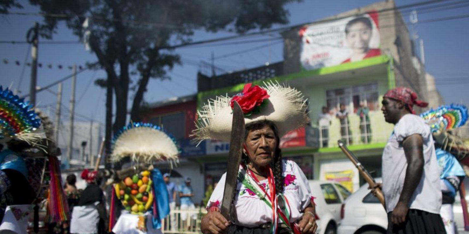 Mientras tanto en Puebla se llevó a cabo la representación de la Batalla Foto:AP