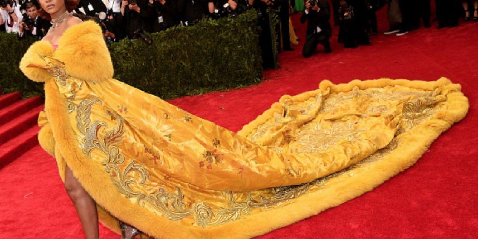 """Rihanna mató al pajarraco de """"Plaza Sésamo"""" y este fue el resultado. Foto:vía Getty Images"""