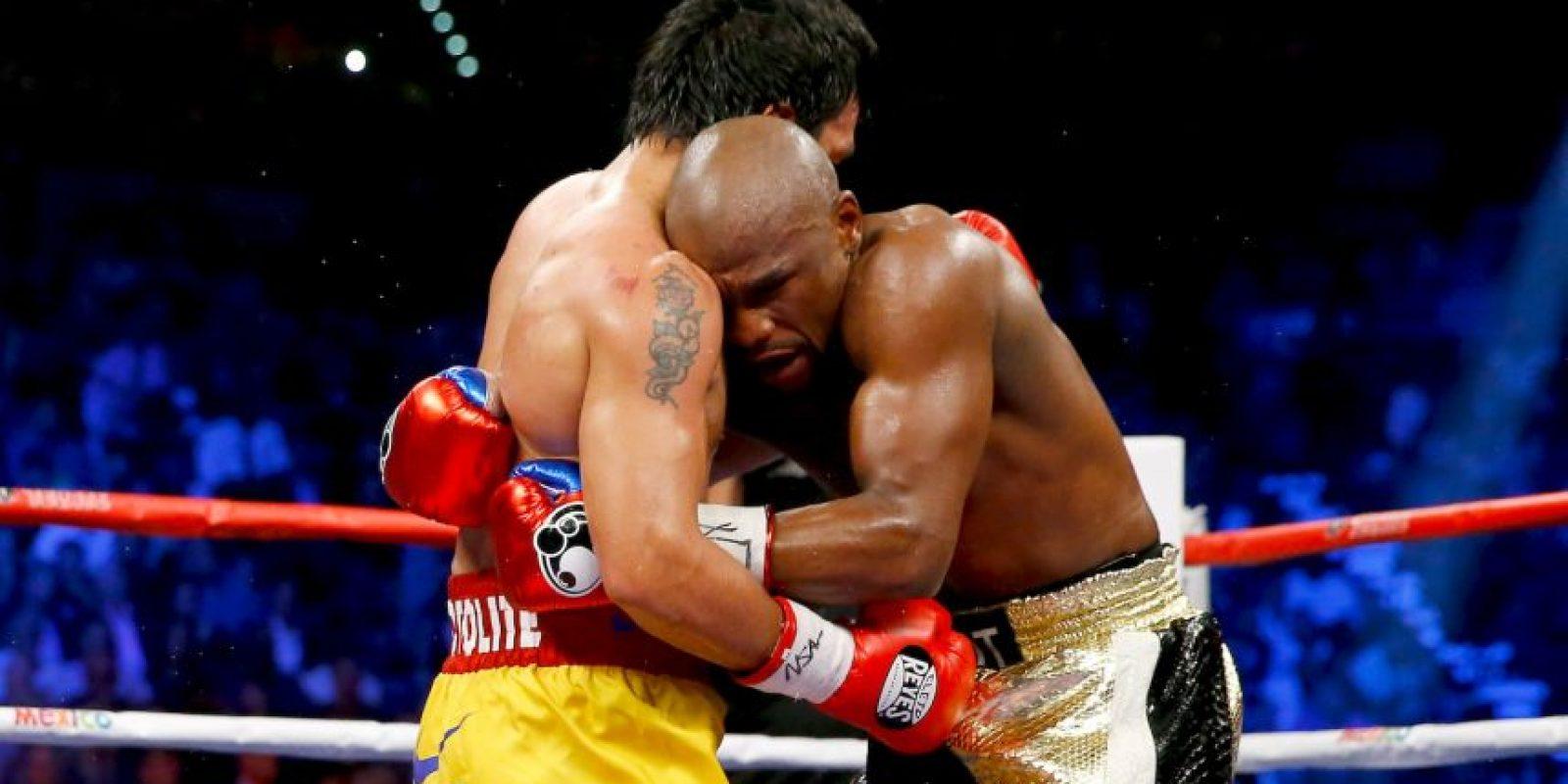 """El boxeador estadounidense indicó que daría una segunda oportunidad a """"Pacman"""", después de enterarse que el filipino peleó lesionado Foto:Getty Images"""