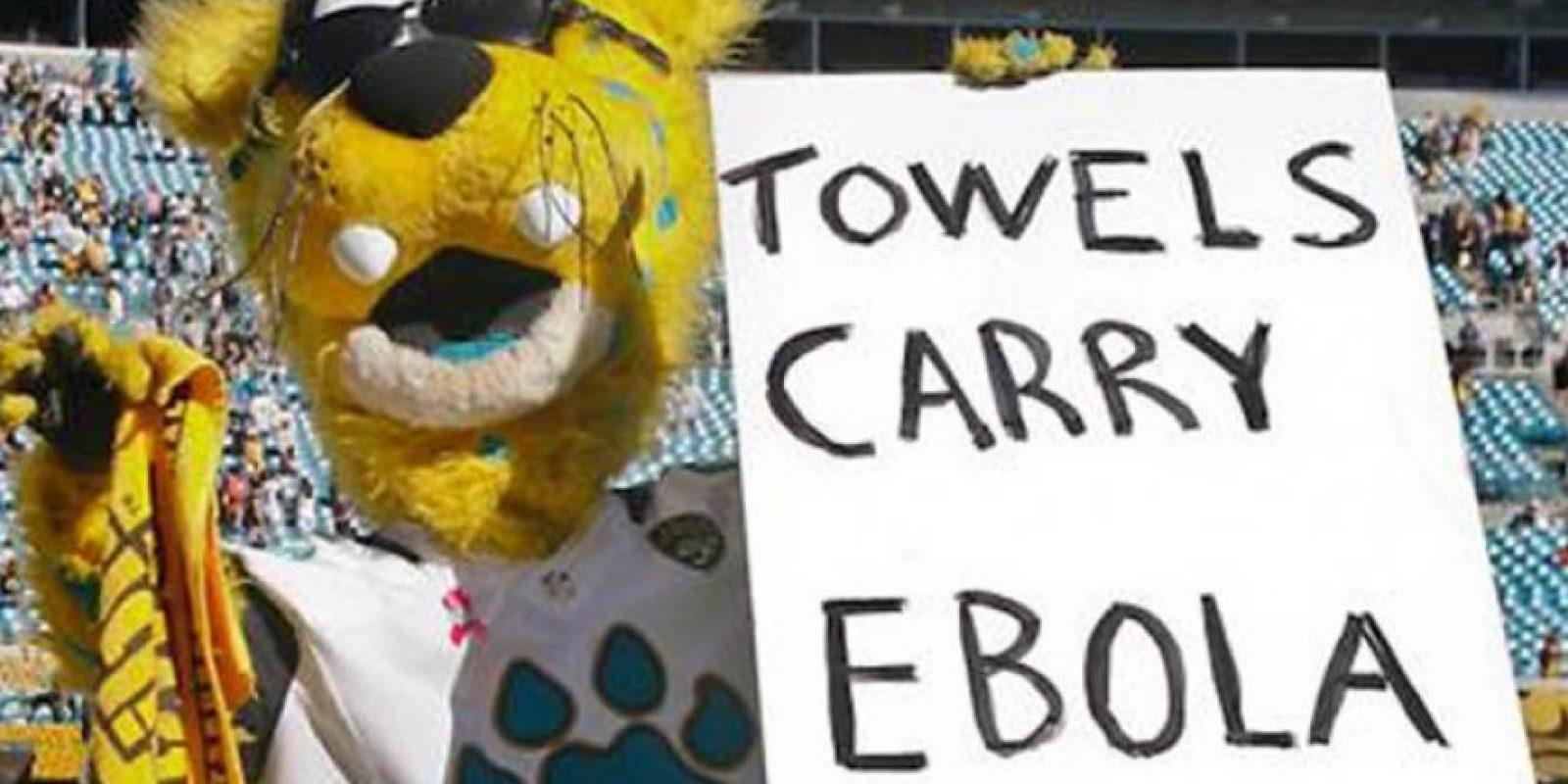 """La mascota de los Jacksonville Jaguars del fútbol americano fue suspendida después de asegurar que las toallas de otro equipo """"llevan ébola"""" en 2014. Foto:Tomada de sportstalk.co.uk"""