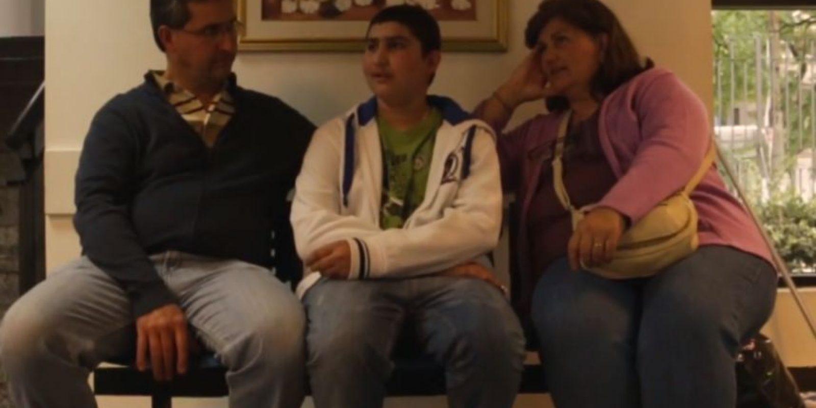 Desde hace dos años fue diagnosticado con esta enfermedad y es atendido por la fundación Fundación Pérez Scremini de Uruguay. Foto:Vía Youtube Fundación Pérez Scremini