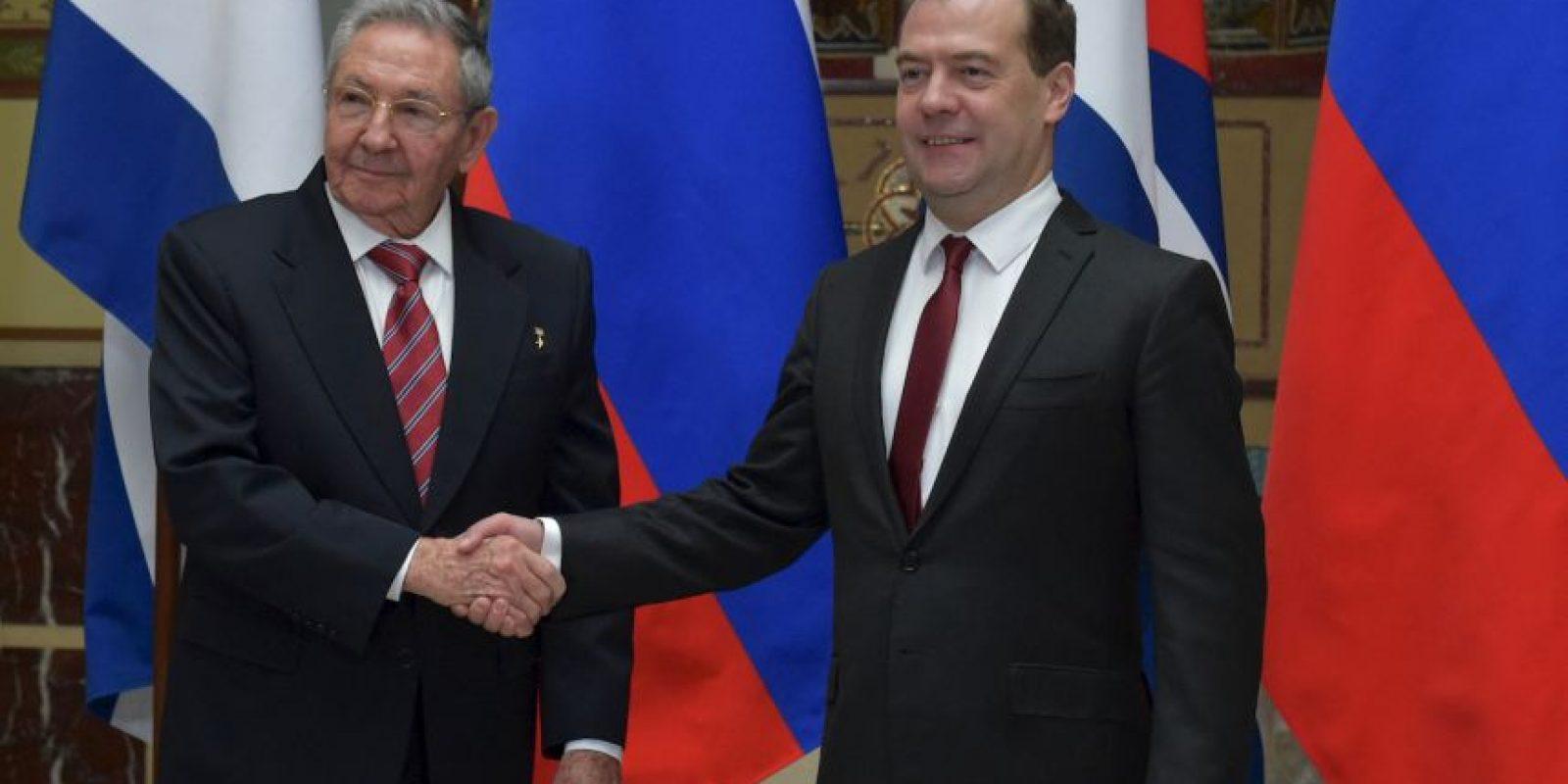 El presidente cubano Raúl Castro llega a Rusia, para las celebraciones del 9 de mayo. Foto:AFP