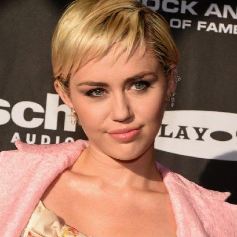 """En 2009, Cyrus decidió dejar la red social debido a que pensaba que eran """"munición"""" para los medios de comunicación. Regresó casi dos años después y en la actudalidad es una de las que tienen más seguidores. Foto:Getty Images"""
