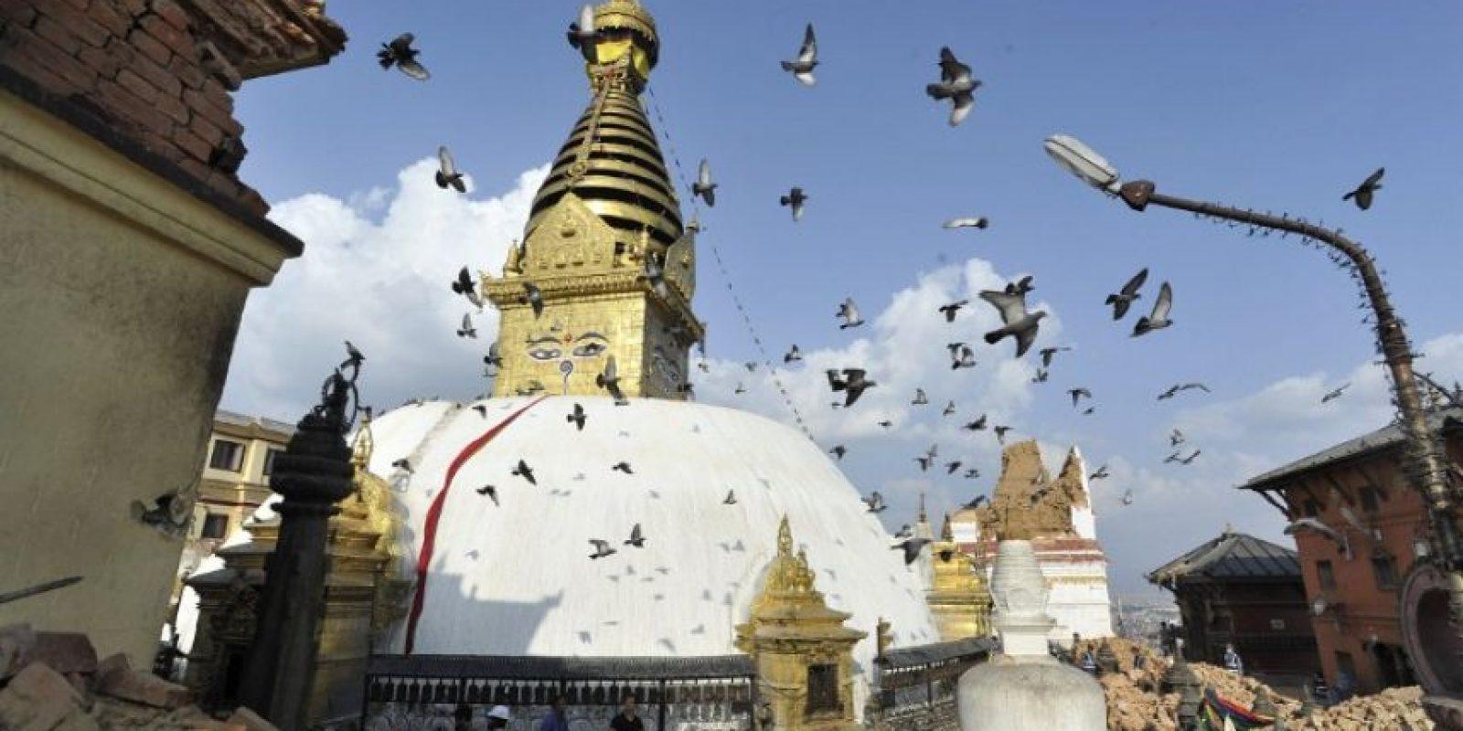 Algunos templos y centros religiosos parecieron no tener daños mayores Foto:AFP