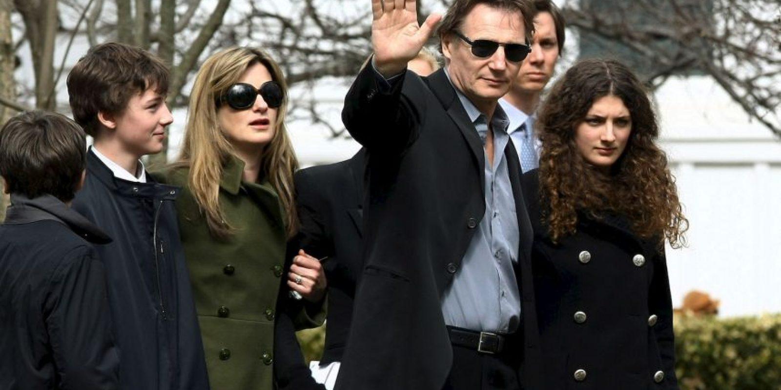 El actor Liam Neeson se convirtió en padre soltero en el 2009 Foto:Getty Images