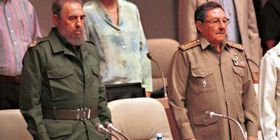 Entre el 10 y el 11 de abril, Raúl Castro protagonizó otro momento histórico al asistir a la VII Cumbre de las Américas, la cual se llevó a cabo en Panamá. Fue la primera vez que Cuba asistía a una de las reuniones más importantes de los mandatarios de la región. Foto:Getty Images