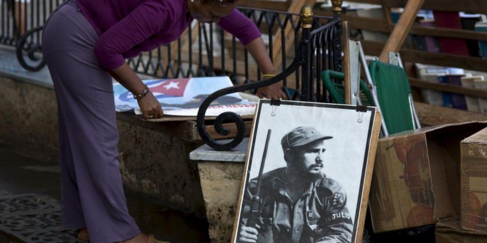 Raúl Castro abandonará la presidencia de Cuba en el año 2018, así lo prometió en su última reelección. Fidel Castro tendría entonces 92 años y Raúl 87, casi la edad actual de su hermano mayor. Foto:AP
