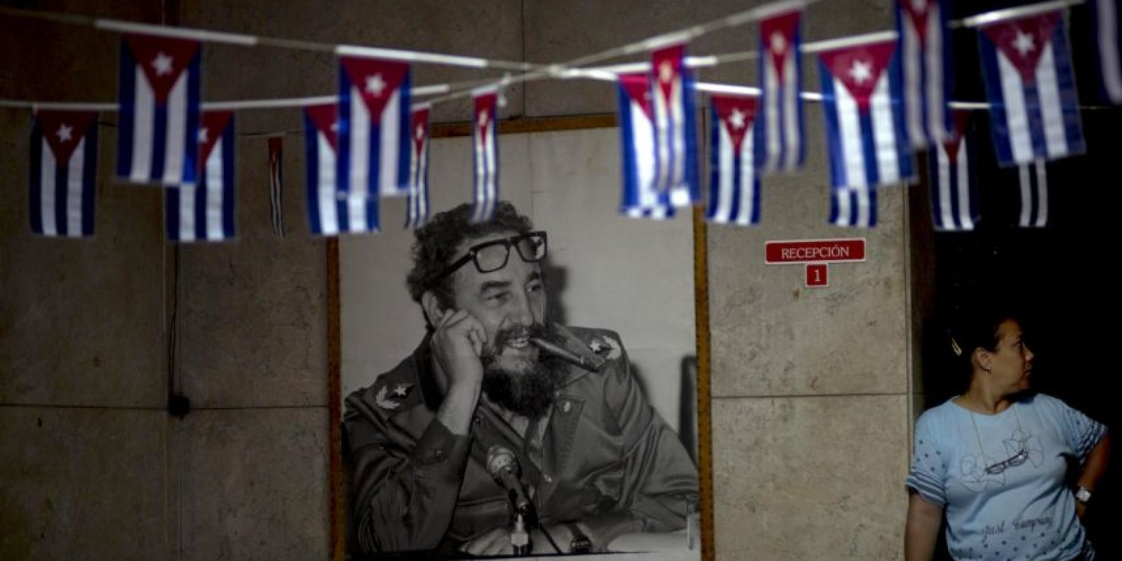 Una de las primeras grandes reformas del gobierno de Raúl Castro fue levantar trabas legales que limitaban al pueblo cubano, como el acceso libre a los hoteles, la renta de automóviles y la venta de teléfonos celulares en el año 2008. Foto:AP