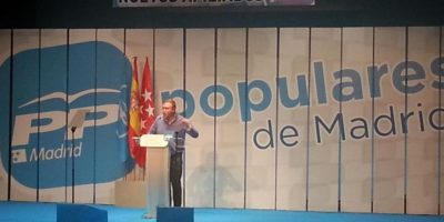 Este tipo de campañas de parte de un diputado del Partido Popular era prácticamente imposible Foto:Vía Twitter @mduenass