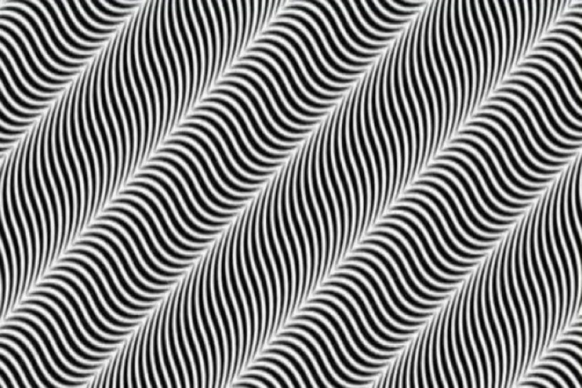 Los circuitos de detección de los bordes de las líneas de alguna manera se ven asociados con el color. Foto:Tumblr.com/Tagged/ilusion/optica