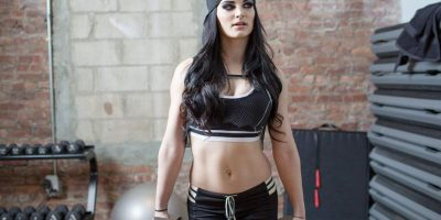 Paige aseguró que debe ir por lo menos tres veces a la semana al gimnasio Foto:WWE