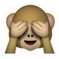 """Es uno de los tres monos sabios, parte de un proverbio budista que en este caso es: """"No voy a ver el mal"""". Utilizado para: """"No quiero ver eso"""". Foto:emojipedia.org"""