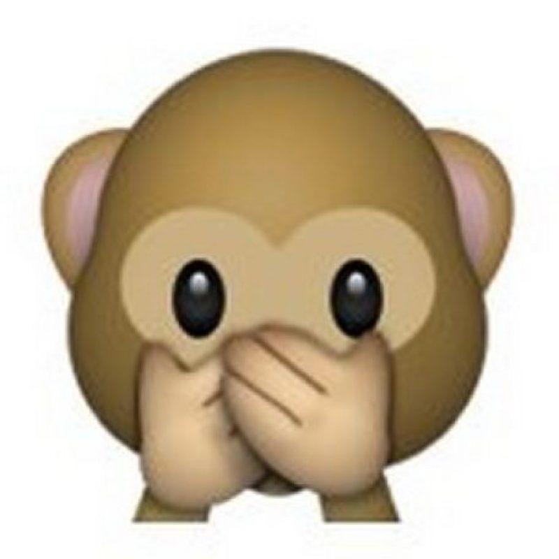 """Es uno de los tres monos sabios, parte de un proverbio budista que en este caso es: """"No voy a decir el mal"""". Utilizado para como: """"No voy a decir nada"""", """"mis labios están sellados"""" o """"no voy a decir eso"""". Foto:emojipedia.org"""