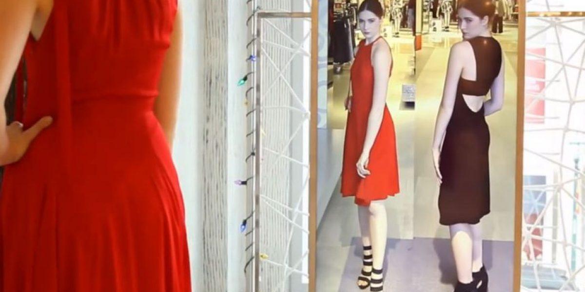VIDEO: Este espejo le encantará a las mujeres amantes de la moda