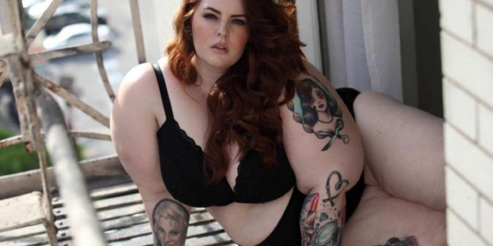 Muchos la critican por su cuerpo, pero eso es lo que ella espera. Espera combatir los estereotipos de belleza. Foto:vía Facebook/Tess Holliday