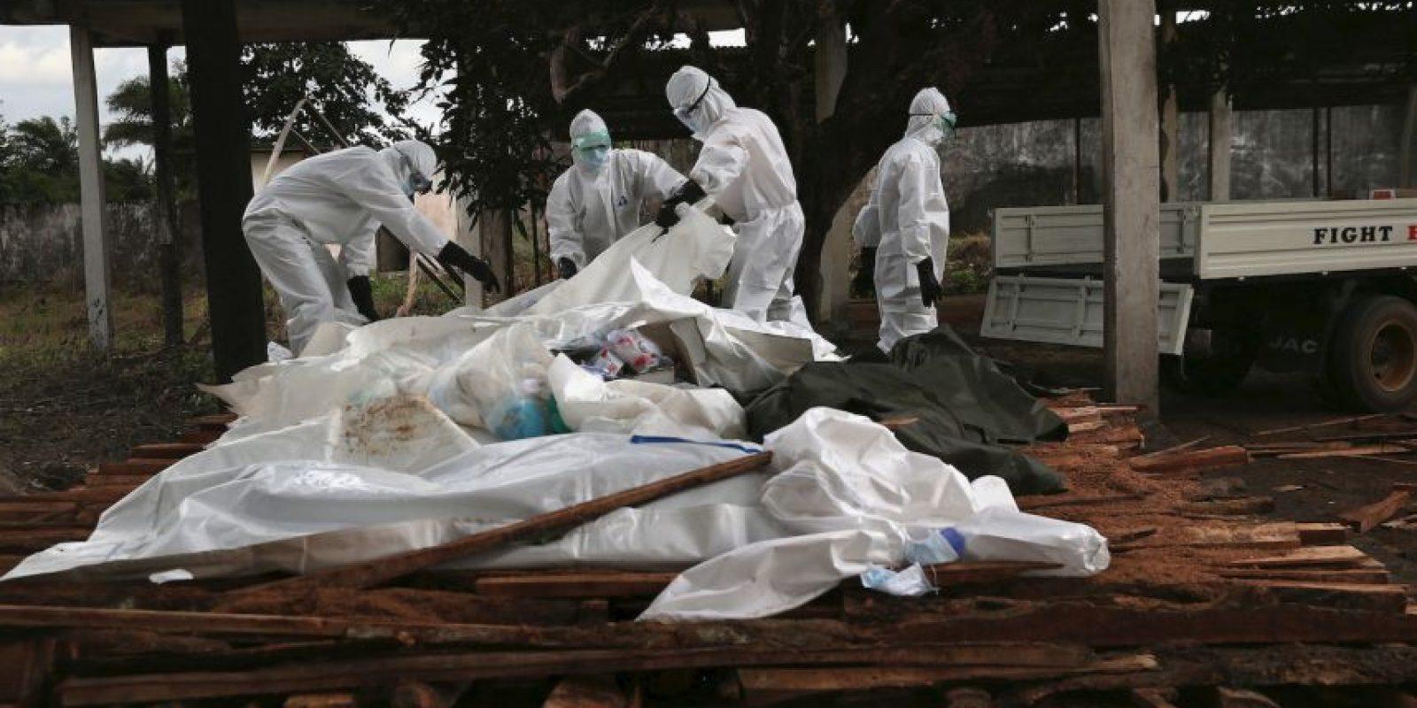 La Organización Mundial de la Salud (OMS) detalla que entre los síntomas se encuentran vómitos, diarrea, erupciones cutáneas, disfunción renal y hepática. Foto:Getty Images