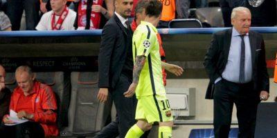 Guardiola y Messi se reencontraron, ahora en Munich, e intercambiaron palabras y risas al medio tiempo. Foto:Getty Images