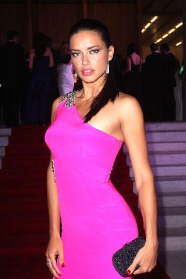 Adriana Lima: ocho millones de dólares Foto:Getty Images