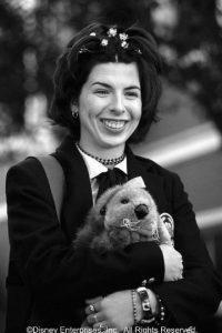 """Interpretó a """"Lily Moscobitz"""", la mejor amiga de """"Mia"""" que peleaba por los derechos de los animales. Foto:IMDB"""