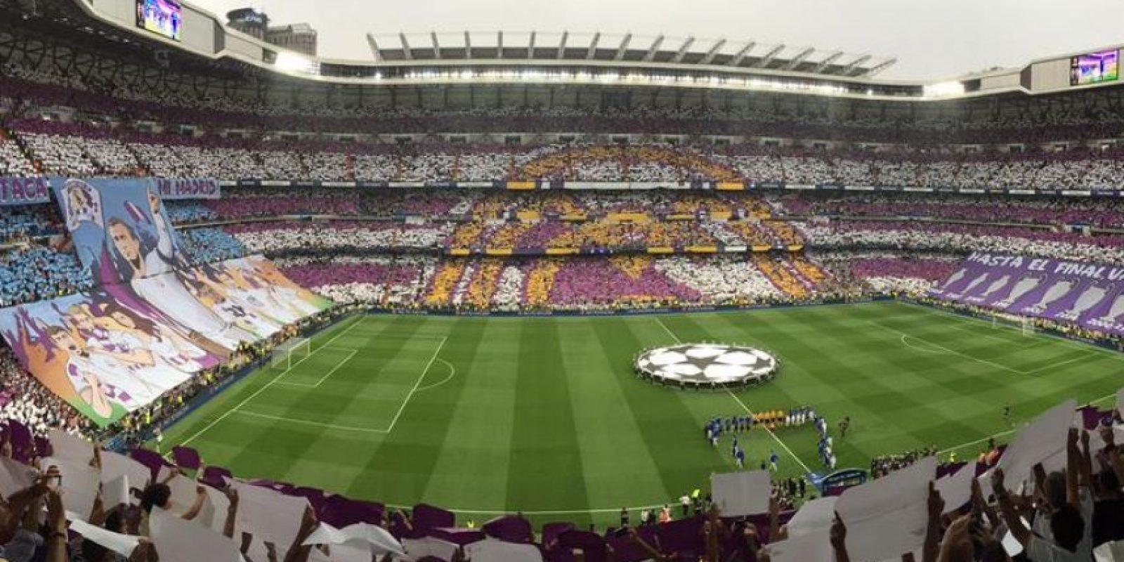 Con este mosaico, el Santiago Bernabéu recibió a ambas plantillas. Foto: Foto: Vía twitter.com/juventusfc