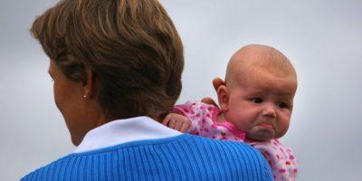 También estos padres suelen aislarse de la sociedad. Foto:Getty Images