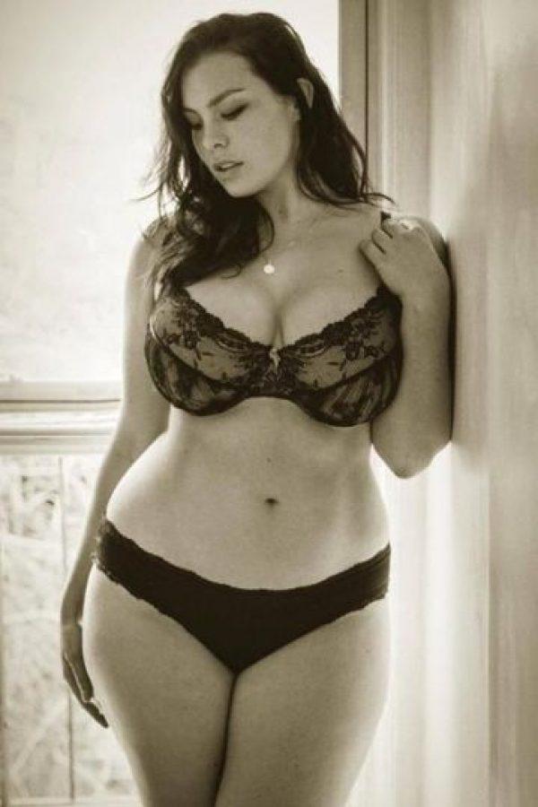 """ca9bea7b1b2a Muestran que se; Las mujeres """"plus size"""" en ropa interior no desafían  estándares."""