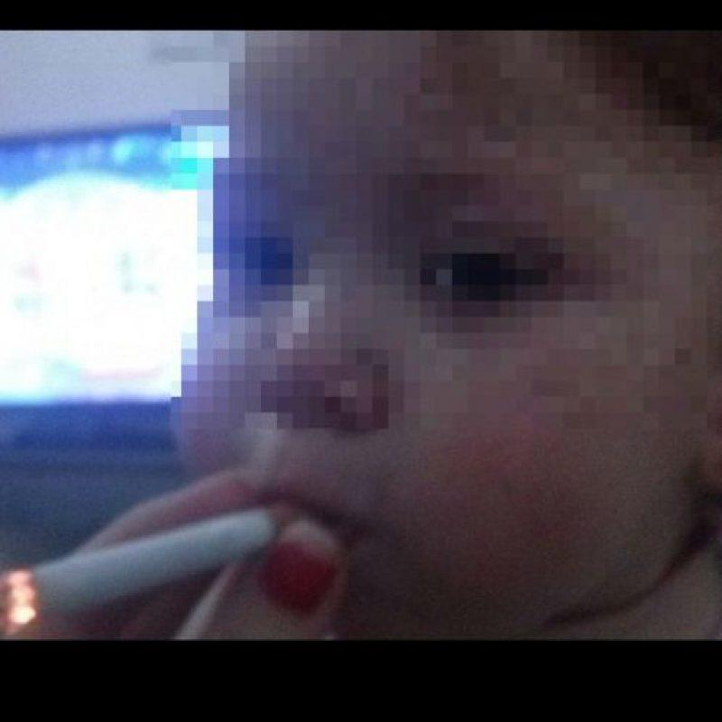 Ella es la pequeña de un año a la que su madre hizo fumar Foto:Instagram