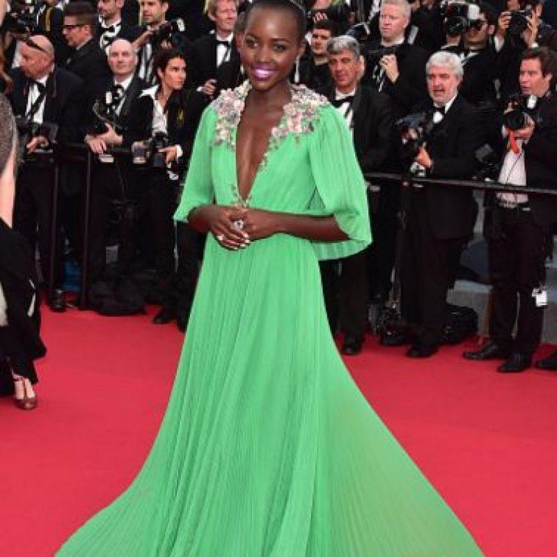 Lupita Nyong'o en verde y se sigue viendo mejor que muchas. Foto:vía Getty Images