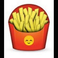 Podrían parecer unas papas fritas normales, pero en el empaque tiene un emoji de un rostro que simboliza felicidad Foto:Emojipedia