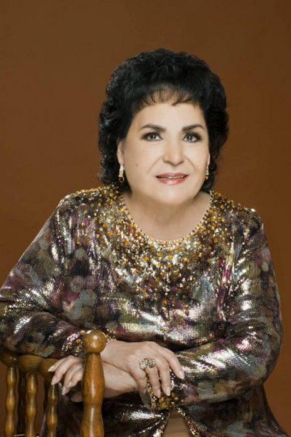 """También estuvo en """"María Mercedes"""", como """"Doña Filoginia"""". Foto:vía Facebook/Carmen Salinas Oficial"""