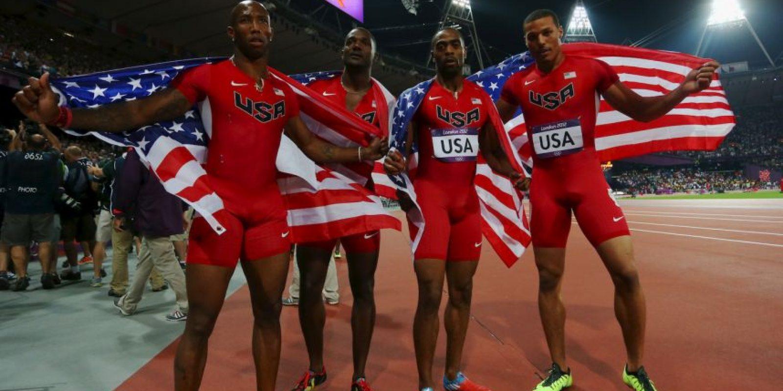 La medalla llegó tras un gran duelo mediático y sobre el tartán entre el equipo estadounidense, y el de Jamaica, liderado por Usain Bolt. Foto:Getty Images