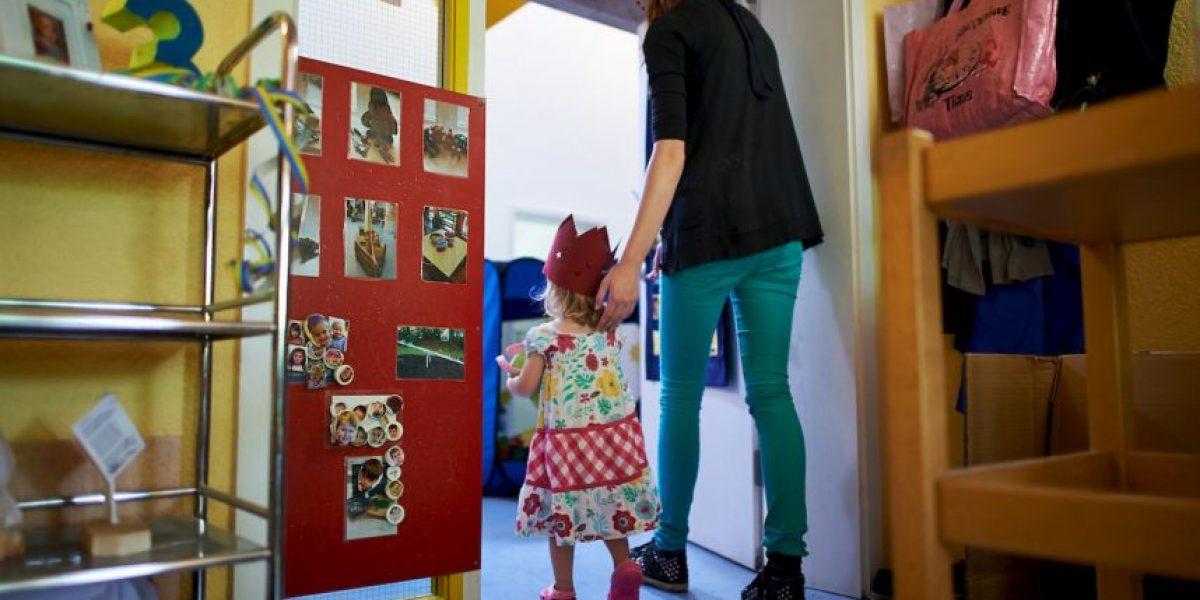 Madre envía a su hija de 5 años con una pistola a la escuela
