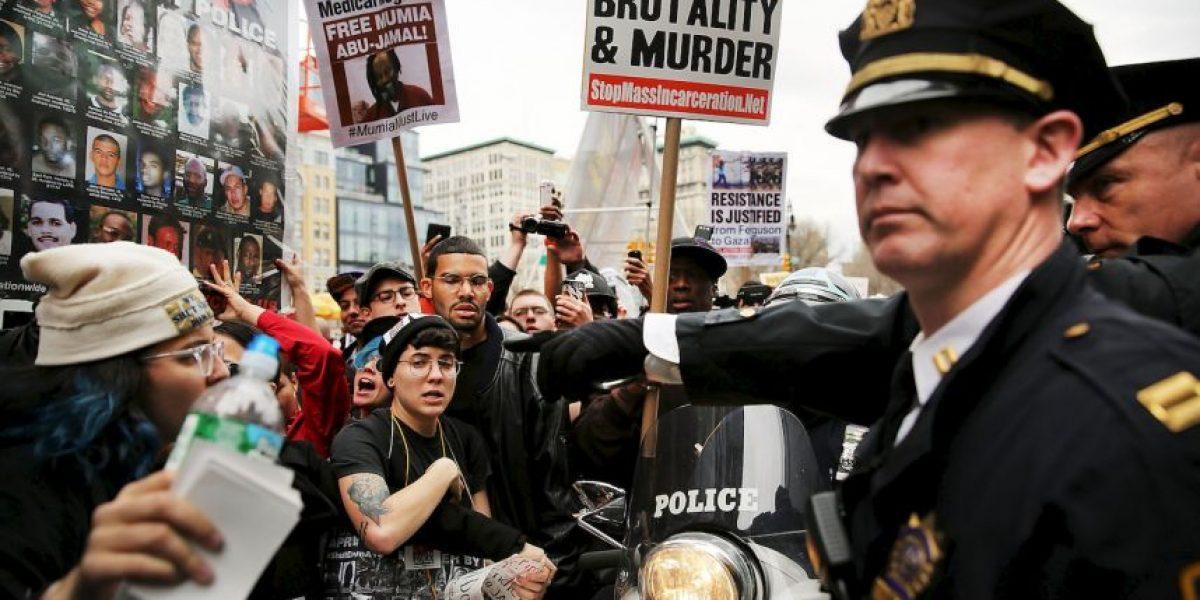 VIDEO: Policía golpea a hombre autista y le ocasiona la muerte