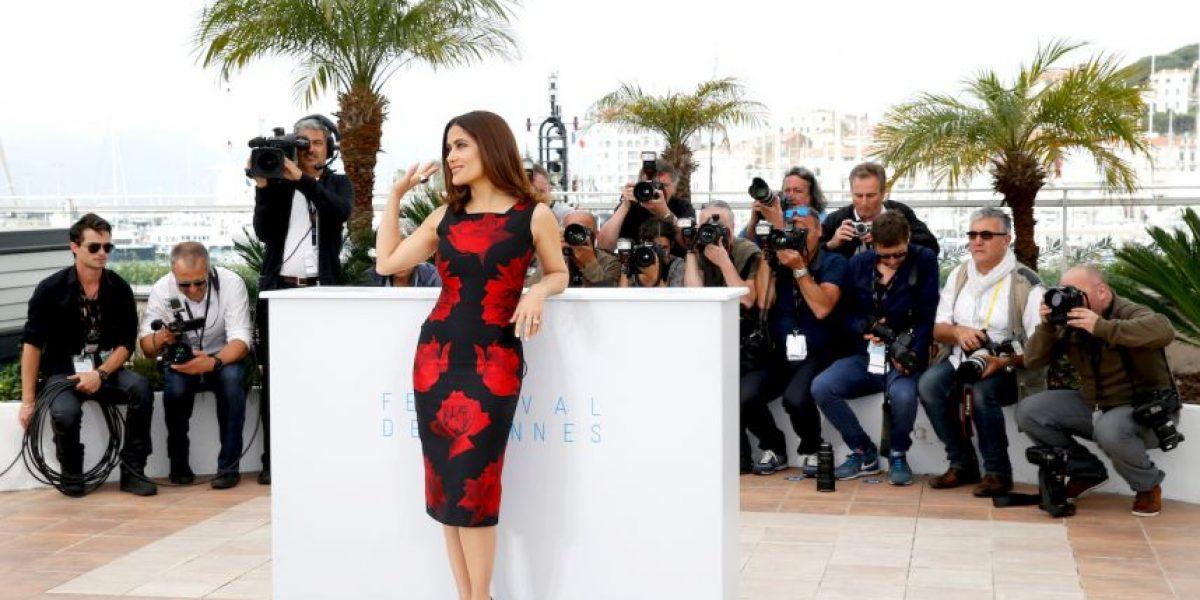 Salma Hayek rompe las reglas del Festival de Cannes