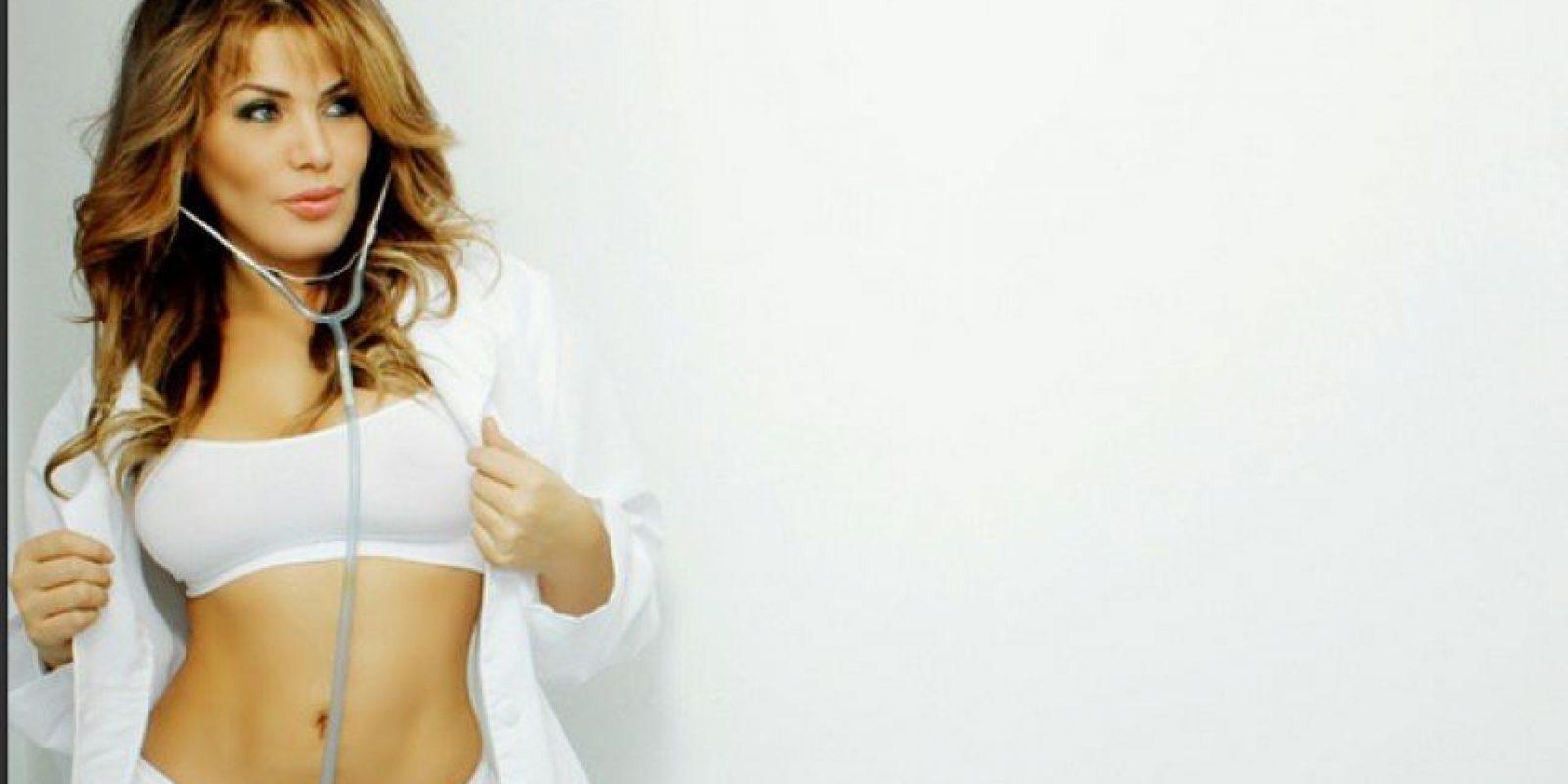 Lady Noriega. Se ha operado todo, la cara sobre todo, aumento de senos, y dicen que después de su embarazo, no perdonó la liposucción. Foto:Instagram