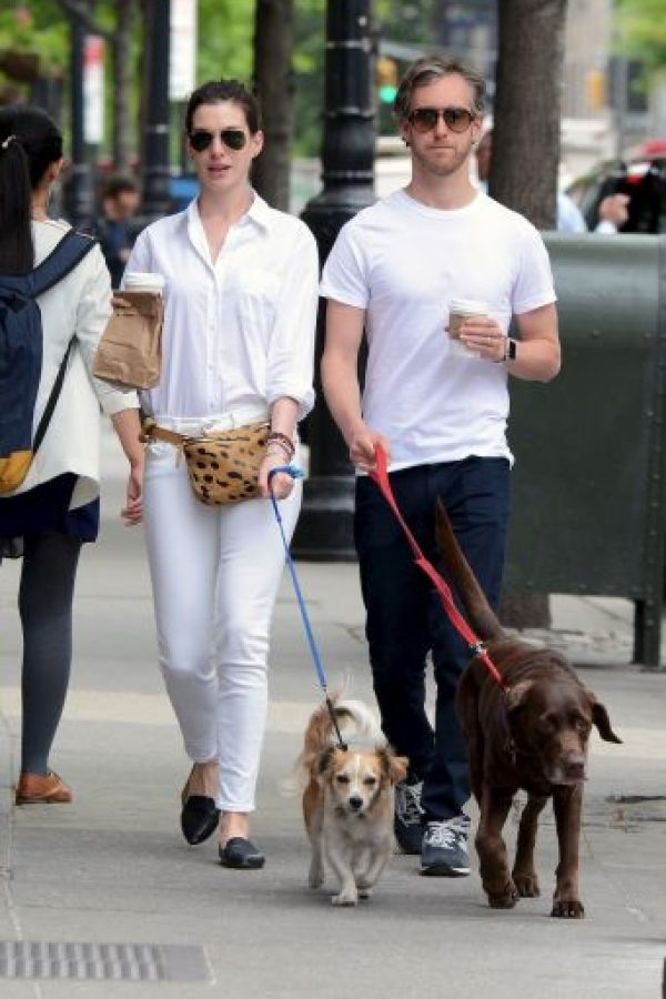 Anne Hathaway y Adam Shulman Foto: Grosby Group