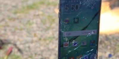 El celular tuvo una dura prueba contra el fuego. Foto:EverythingApplePro