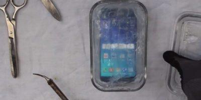 Esta es la peor forma de hacer resistente al agua al Samsung Galaxy S6. Foto:PeripateticPandas