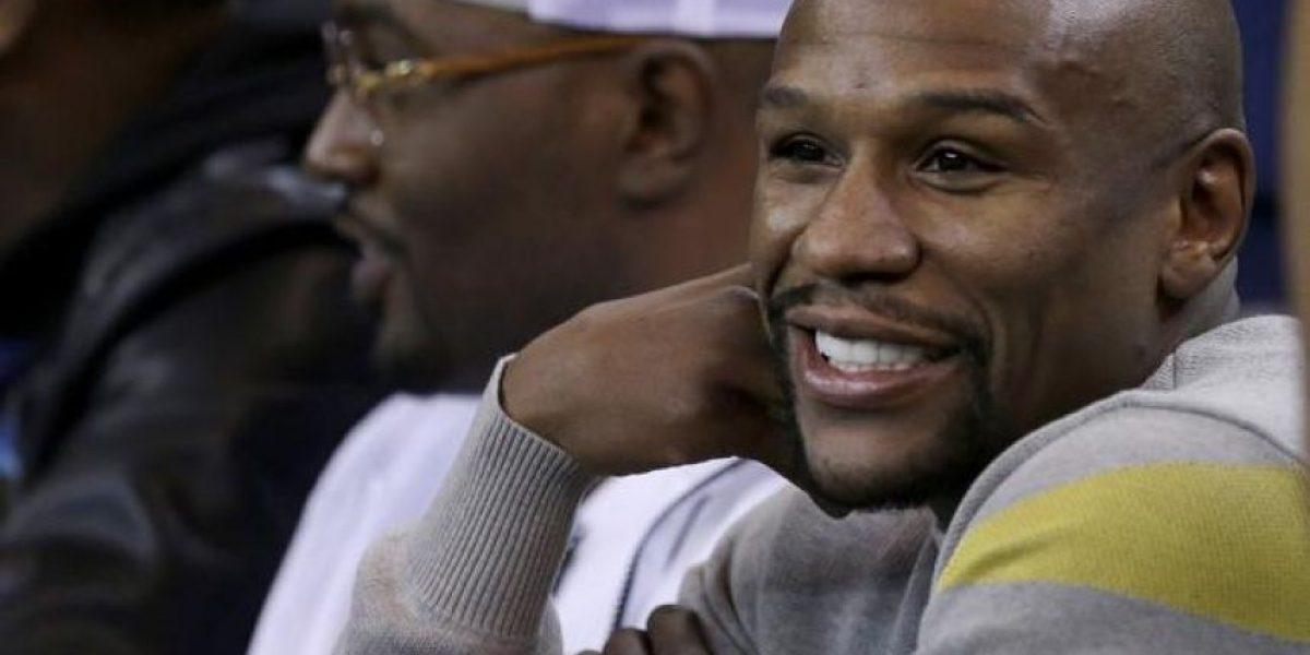 Mayweather es abucheado en partido de la NBA