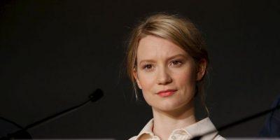 Mia Wasikowska será parte de un triángulo amoroso en la película Foto:Getty Images