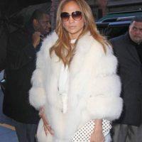 Jennifer López. Sí, los furs no pasan de moda. Foto:vía Getty Images