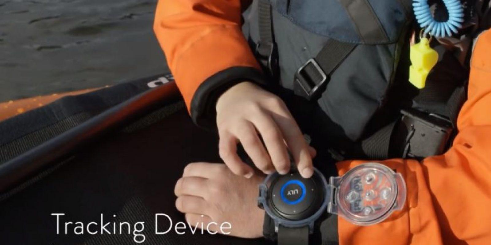 Funciona a través de un GPS que sigue a su objetivo por los aires mientras graba cada movimiento de la persona Foto:lily.camera