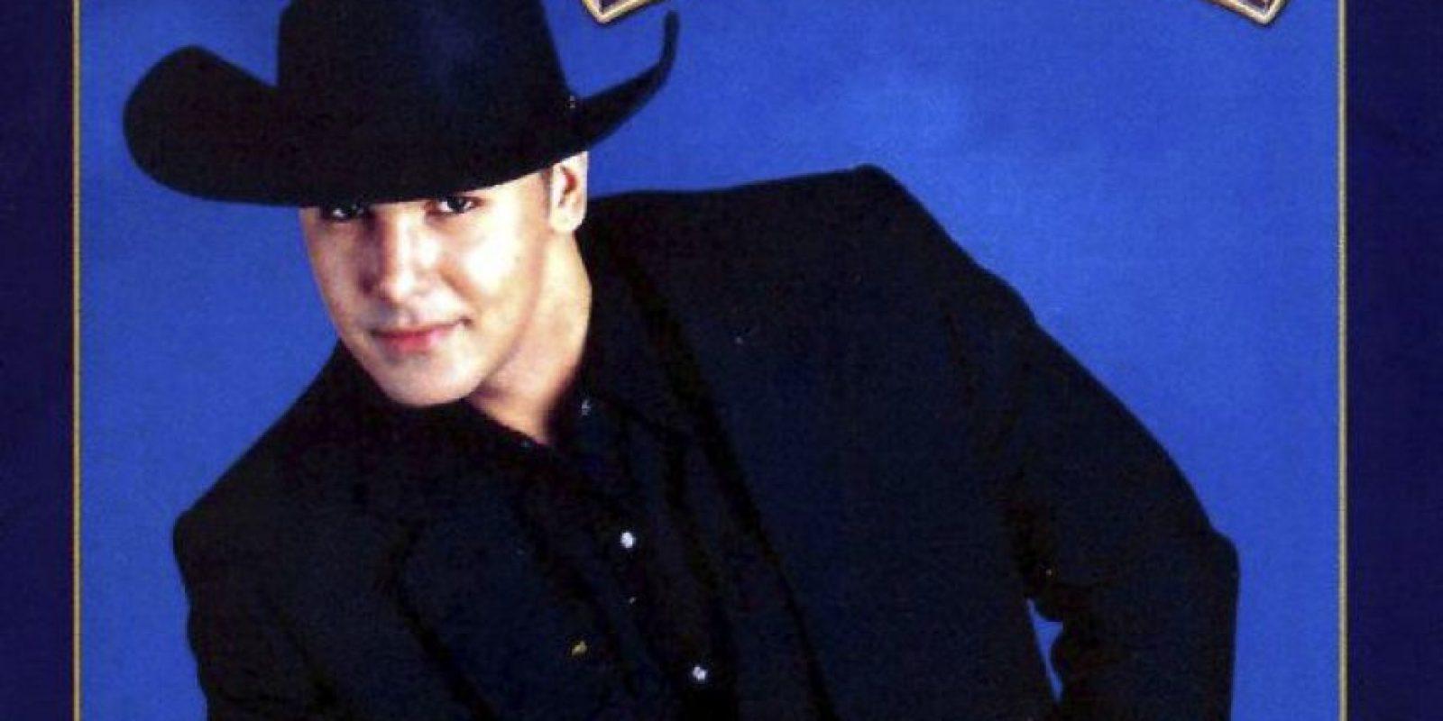 """Ahora se llama """"Coyote Dax"""" y lanzó su carrera en España. Tiene 3 hijos y vive cerca a Barcelona. Ha estado en el """"Gran Hermano"""" de ese país. Foto:vía Facebook/Coyote Dax"""
