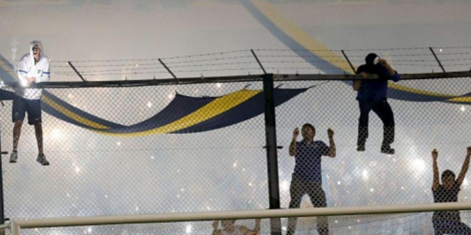 Provocaron que se suspendiera el partido Foto:Getty Images