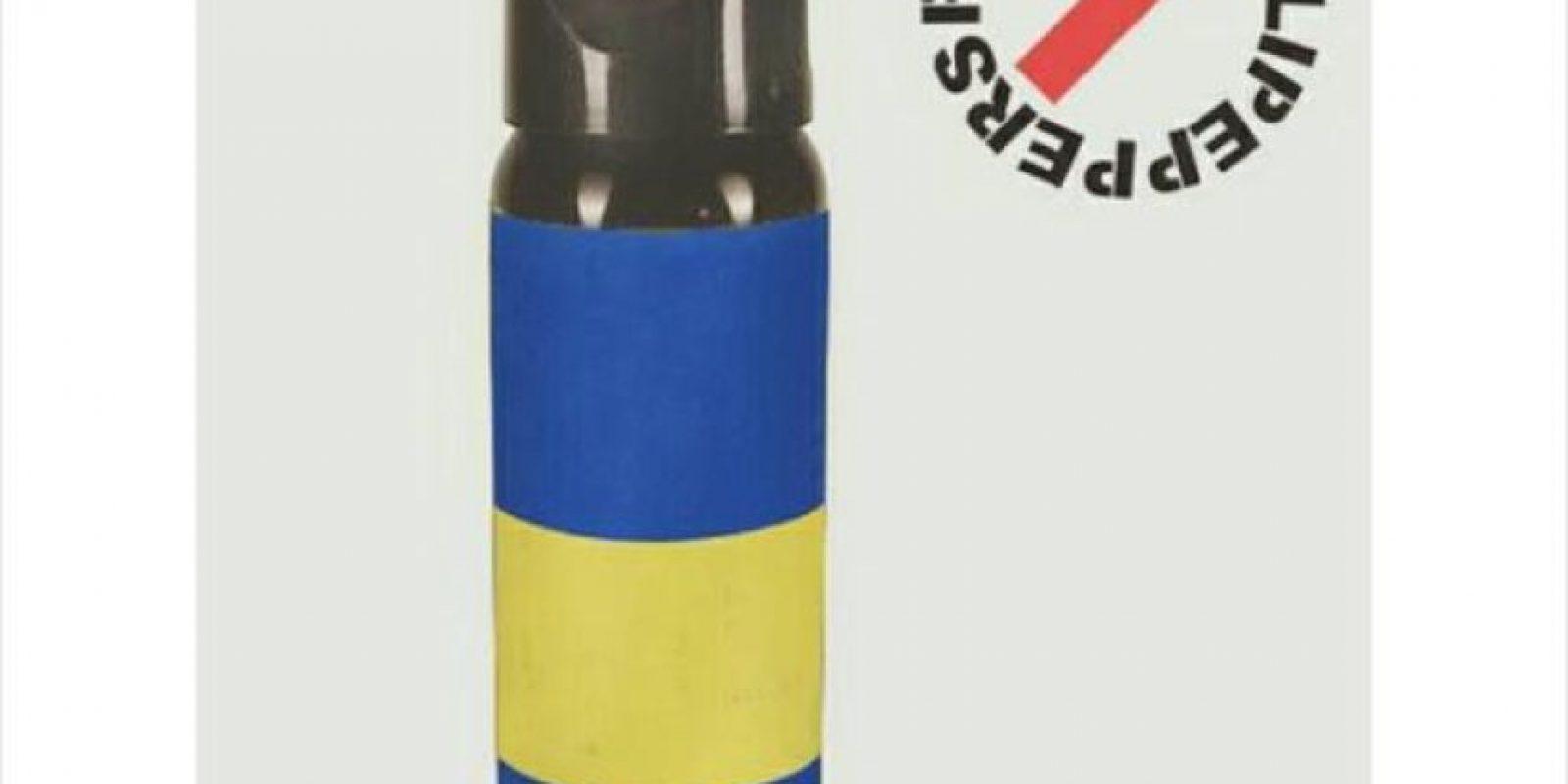 Y los hacen imagen de diversas marcas de gas pimienta. Foto:Vía twitter.com