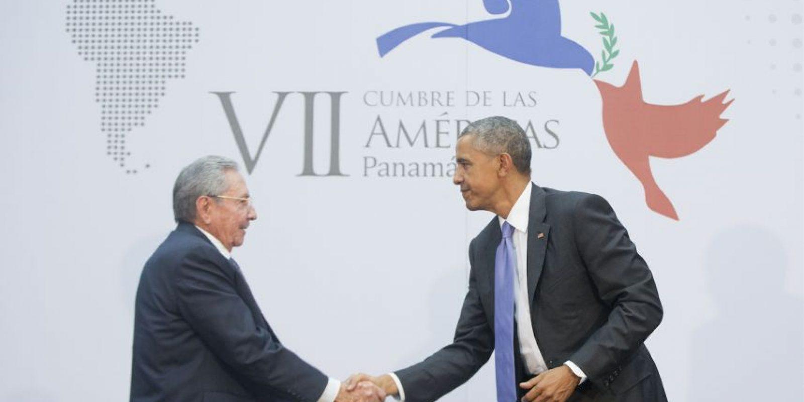 En diciembre pasado, el presidente Barack Obama revirtió más de medio siglo de política hacia Cuba y junto al presidente cubano Raúl Castro anunciaron que restaurarían las relaciones diplomáticas Foto:AFP