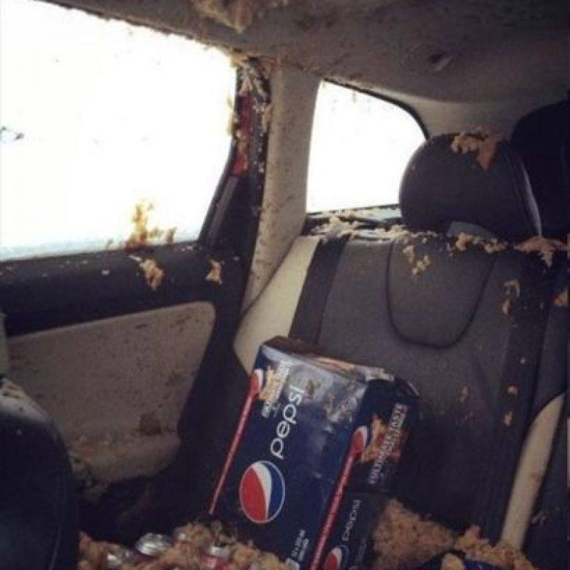 El que dejó todo esto en el auto. Foto:vía Imgur