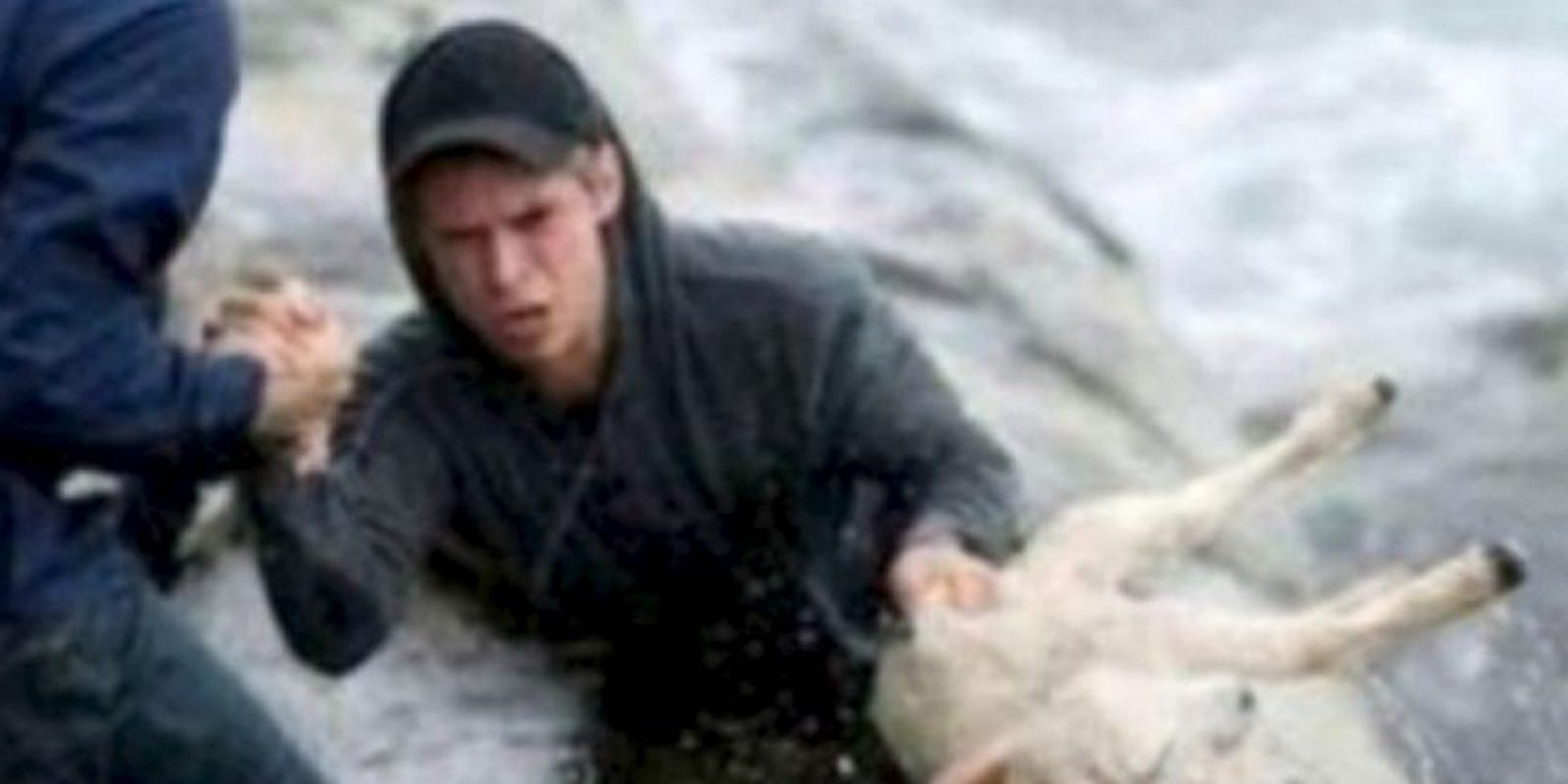 Estos noruegos rescataron a una cabra del mar. Foto:vía Tumblr